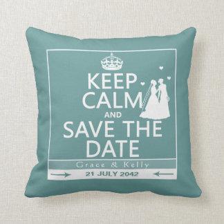 Gardez le calme et sauvez le mariage lesbien de coussin décoratif