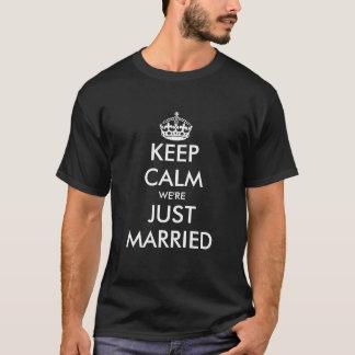 Gardez le T-shirt marié de calme juste pour