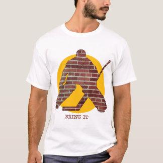 Gardien de but d'hockey de mur de briques t-shirt