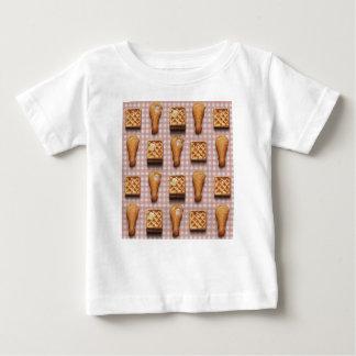 gaufres de poulet de guingan t-shirt pour bébé
