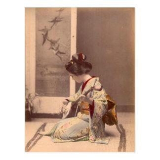 Geisha japonais vintage jouant le shamisen carte postale