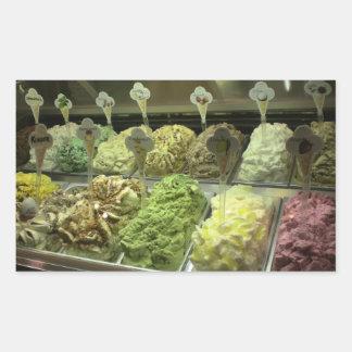 Gelato délicieux dans des autocollants de Venise