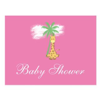 Girafe de baby shower aux invitations roses