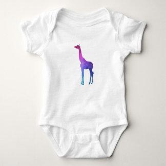 Girafe géométrique avec l'idée vibrante de cadeau body