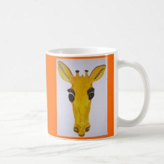 Girafe jaune de regarder mug blanc
