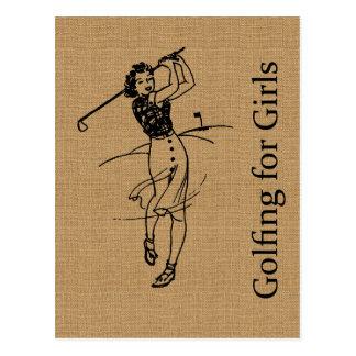Golfeur vintage de fille sur la toile de jute de carte postale
