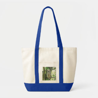 Grand hibou à cornes tote bag