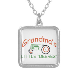 Grand-mamans peu collier
