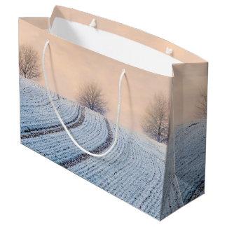 Grand Sac Cadeau Arbres pittoresques de paysage d'hiver avec