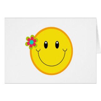Grand visage souriant jaune carte