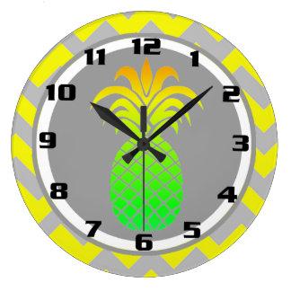 Grande Horloge Ronde Ananas jaune et gris ensoleillé sur le motif de