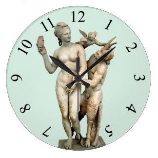 Grande Horloge Ronde Aphrodite, casserole et eros