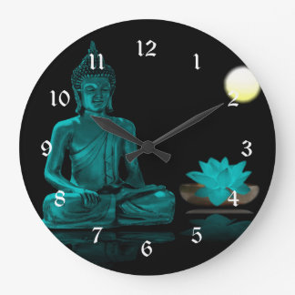 Grande Horloge Ronde Bouddha turquoise méditant sous la pleine lune