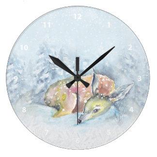 Grande Horloge Ronde Cerfs communs d'hiver d'aquarelle dans la neige
