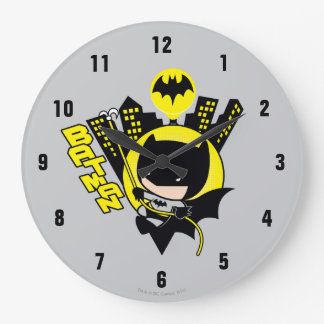 Grande Horloge Ronde Chibi Batman mesurant la ville