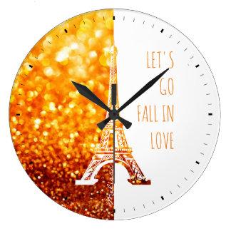 Grande Horloge Ronde Chute dans Tour Eiffel romantique de Paris |