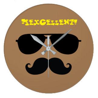 Grande Horloge Ronde Citation mexicaine iconique d'homme de moustache