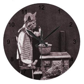 Grande Horloge Ronde Cuisine de chaton sur le fourneau