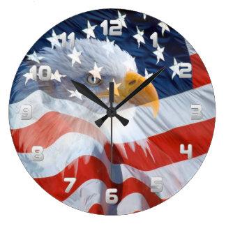 Grande Horloge Ronde Eagle chauve patriotique et le drapeau américain