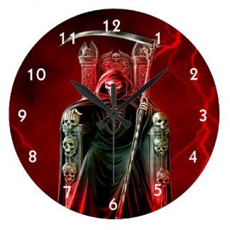 Grande Horloge Ronde Faucheuse sur son trône