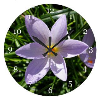 Grande Horloge Ronde Fleurs pourpres de jardin de beau ressort