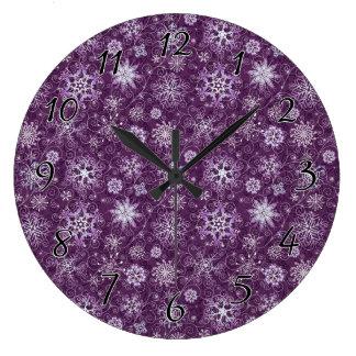 Grande Horloge Ronde Flocons de neige pourpres pour la douleur