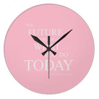 Grande Horloge Ronde L'avenir inspirant l'horloge de motivation de rose