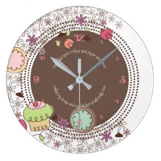 Grande Horloge Ronde Le petit gâteau de biscuits de griffonnage fleurit