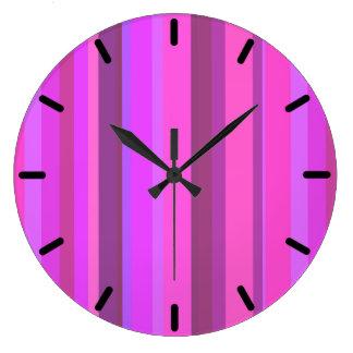 Grande Horloge Ronde Rayures verticales roses