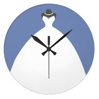 Grande Horloge Ronde Robe de mariage avec du charme