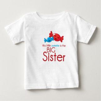Grande soeur de T-shirt