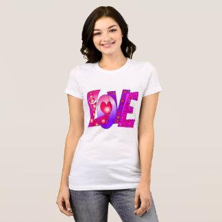 """Graphique de """"amour"""" sur le T-shirt des femmes"""