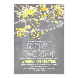 Grijze gele huwelijksuitnodiging met koordlichten kaart