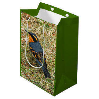 Grive diverse de mâle sur la pelouse sac cadeau moyen
