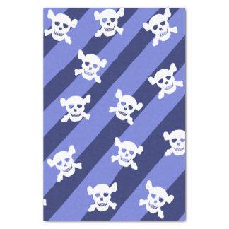 Grote Witte Schedel en Gekruiste knekels op Blauwe Tissuepapier