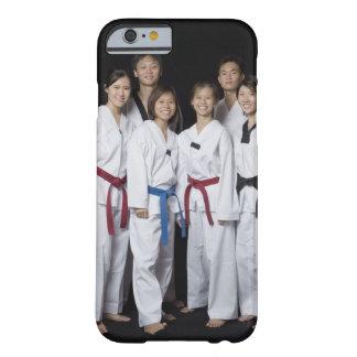 Groupe de la position de joueur d'arts martiaux et coque iPhone 6 barely there