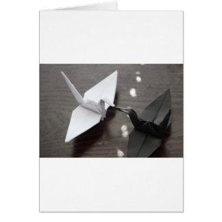 grues romantiques d'origami carte