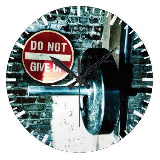 Gymnase de motivation de forme physique grande horloge ronde