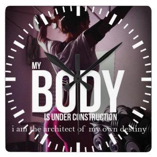 Gymnase de motivation de forme physique horloge carrée