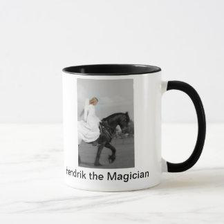 Hendrik la tasse de café d'ange de magicien