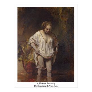 Het Baden van de Vrouw. Door Rembrandt Van Rijn Briefkaart