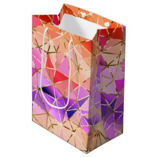 Het geometrische patroon van de regenboog medium cadeauzakje