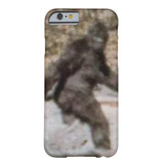 Het grappige Hoesje van Bigfoot Sasquatch Barely There iPhone 6 Hoesje