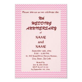 Het Jubileum van het huwelijk - Roze Zigzag, Roze 8,9x12,7 Uitnodiging Kaart