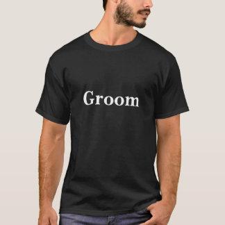 Het zwarte t-shirt van de bruidegom