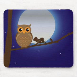 Hibou mignon par le clair de lune tapis de souris