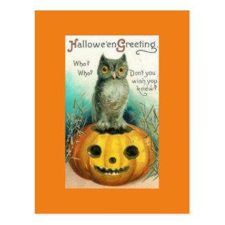 Hibou vintage sur la carte postale de Halloween de