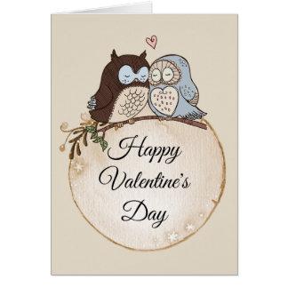 Hiboux dans la carte de Valentines d'amour