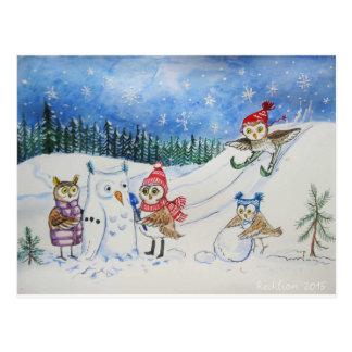 Hiboux de Noël jouant dans la neige Carte Postale