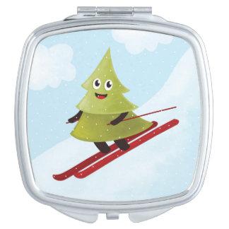 Hiver heureux de ski de pin